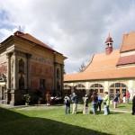 Fotografie Loretánské slavnosti s turisty od Jiřího Stejskala