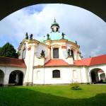 Krásná fotografie České Kamenice - poutní kaple Narození Pany Marie od J. Laštůvky